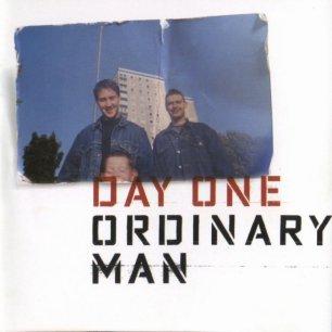 Paroles de chansons et pochette de l'album Ordinary man de Day One